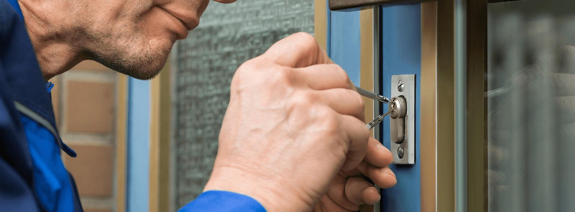 """Aufsperrdienst """"Schlüssel-Art"""" - Zugefallenen Türen"""